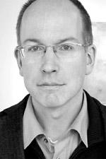 Eberhard Ortland ist wissenschaftlicher Mitarbeiter der Forschungsgruppe Ethik des Kopierens. Er hat Philosophie, Kunstgeschichte und Literaturwissenschaft studiert in Bochum, Berlin (FU) und Kyoto; Promotion an der Universität Potsdam. 2007-2014 war er wissenschaftlicher Mitarbeiter an der Universität Hildesheim und Redakteur der Allgemeinen Zeitschrift für Philosophie.
