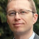 Alexander Peukert ist Professor für Bürgerliches Recht und Wirtschaftsrecht mit Schwerpunkt internationalem Immaterialgüterrecht an der Goethe-Universität Frankfurt. Zuvor war er wissenschaftlicher Referent und Leiter des USA-Referats am Max-Planck-Institut für Immaterialgüter- und Wettbewerbsrecht in München.