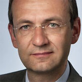 """Karl-Nikolaus Peifer ist Professor am Institut für Urheber- und Medienrecht der Uni Köln und Richter am Oberlandesgericht Hamm. Er gehört zu den Autoren des """"Kölner Entwurfs"""" zum Urhebervertragsrecht vom Oktober 2014."""