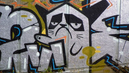 GOC-Walthamstow-to-Stratford-139-Street-art--CC-BY-SA-Peter-O-Connoer-aka-anemoneprojectors