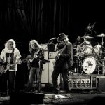Foto: Neil Young & the Crazy Horse on stage