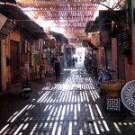 Im_Souk_der_Medina_von_Marrakesch._-_panoramio
